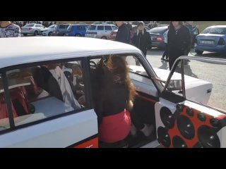 Видео от  SarBassCustoms  - студия автозвука и тюнинга (1080p).mp4