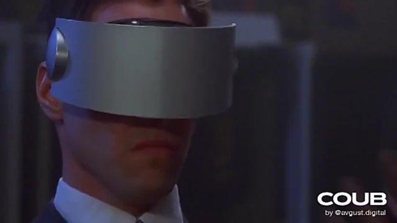 Keanu in Doom VR