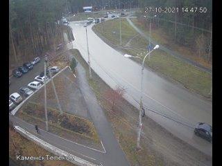 Видео с моментом аварии на кольце по улице Кадочни...