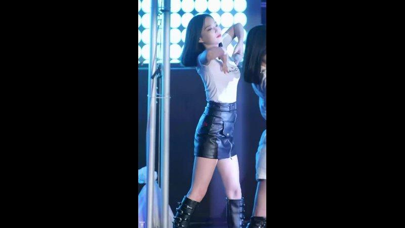 CLC Yeeun Vestido preto 4K 2