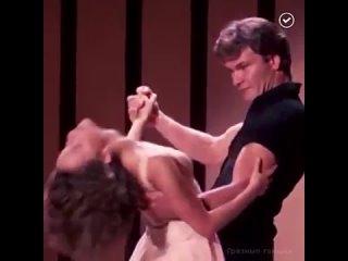Патрик Суэйзи в фильме «Грязные танцы» вместе с Дженнифер Грей