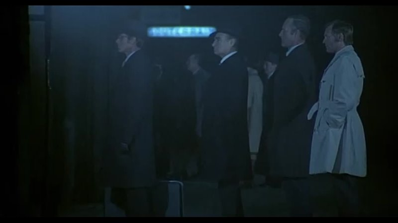 Ален Делон в фильме Полицейский Боевик драма криминал Франция 1972