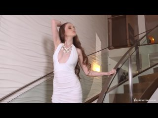 Emily Bloom - Exciting Queen