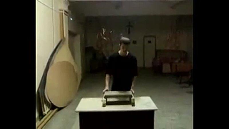 Роман Жуков.Разбивание 5см гранита головой.Цигун.