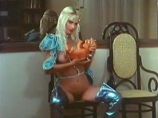 (18+) Сладкая жизнь Чиччолины_Dolce Vita Cicciolina (1987) VHSRiP Без перевода