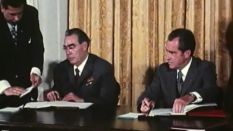 Л И Брежнев прикалывается над Никсоном