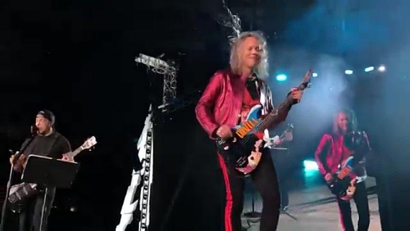 Metallica «Группа Крови» Металлика КИНО (Groupah .mp4