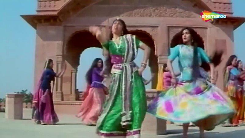 Chham Chham Barso Paani _ Kshatriya (1993) _ Meenakshi Sheshadri, Vinod Khanna _ Romantic Song