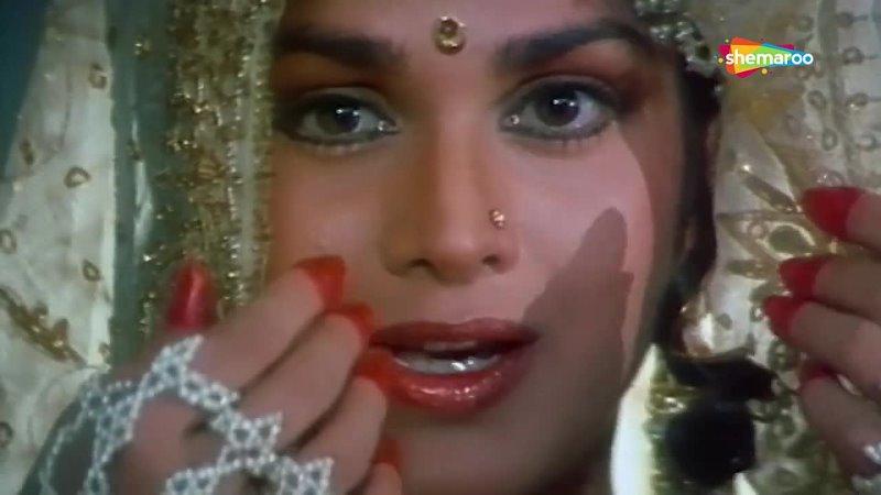 Main Ek Pyasi _ Kshatriya (1993) _ Meenakshi Sheshadri, Vinod Khanna _ Anand Bakshi Hits