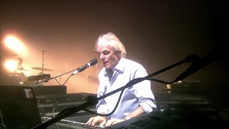 David Gilmour Richard Wright - Wearing the Inside Out (Live from Remember That Night)