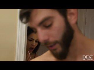 НЕ ДА Т ПОКОЯ СЕСТРЕ) Valentina Nappi Step-Brother домашнее порно секс любительское анал молодые инцест русское (480p).mp4