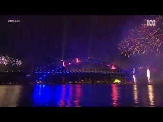 С Новым годом, Австралия! Сидней встречает 2021 с праздничным фейерверком