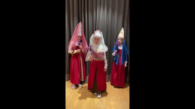 Карнавал по английски