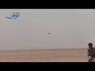 Российские ударные вертолёты Ми-24 и Ми-35М в сирийской пустыне провинции Дейр-Эз-Зор, весна 2017 года
