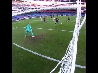 Дубль Томаса Мюллера в матче с Барселоной в Лиге чемпионов-2019/20