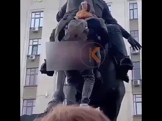 Зачем вам это видео из Краснодара? Мы не знаем, но вот было и такое