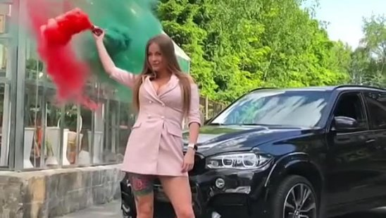 _bmw.mafia on Instagram_ _Кто круче X5 или Девушка.mp4