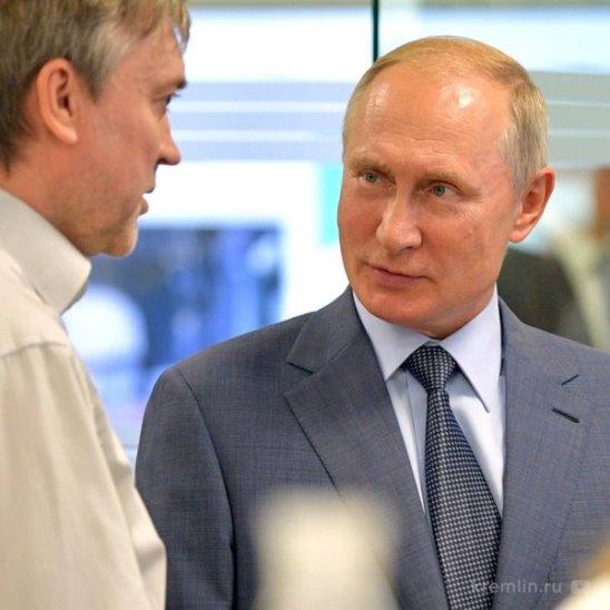 Владимир Путин посетил образовательный центр «Сириус»