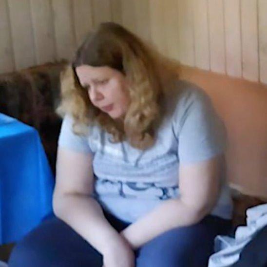 Девушка из ревности разнесла бойфренду квартиру