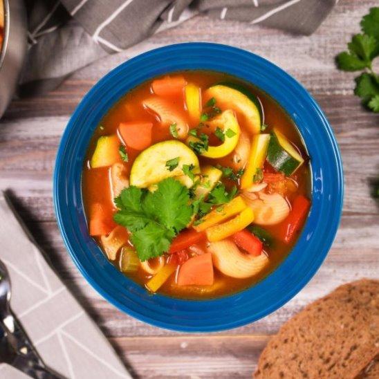 Овощной суп с пастой от Woman.ru