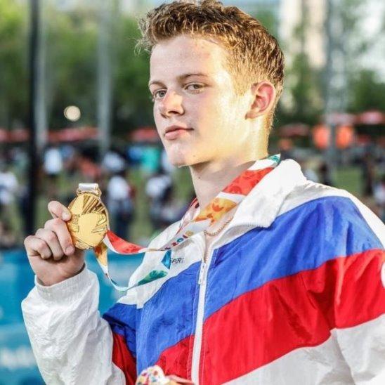 Российская сборная завоевала шесть золотых медалей за один день