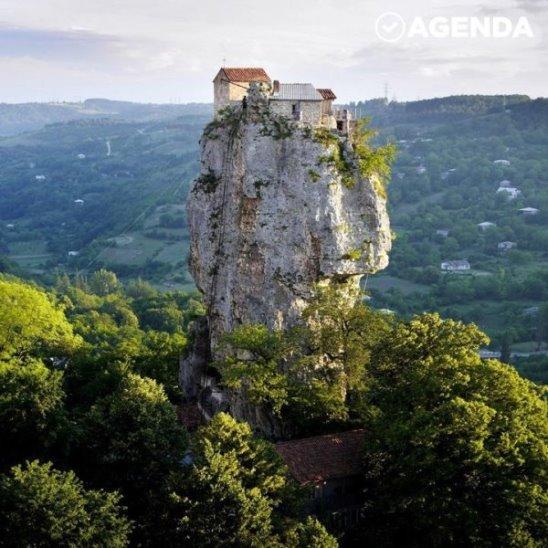 Самая невероятная грузинская церковь
