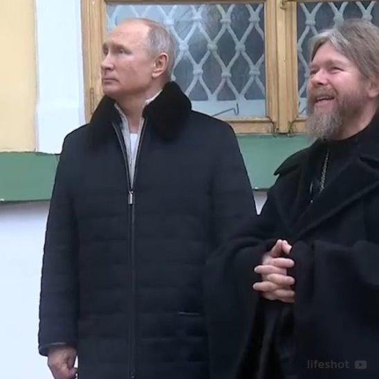 Владимир Путин в монастыре