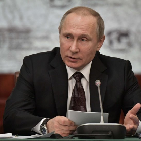 Meduza — Путин и Мединский