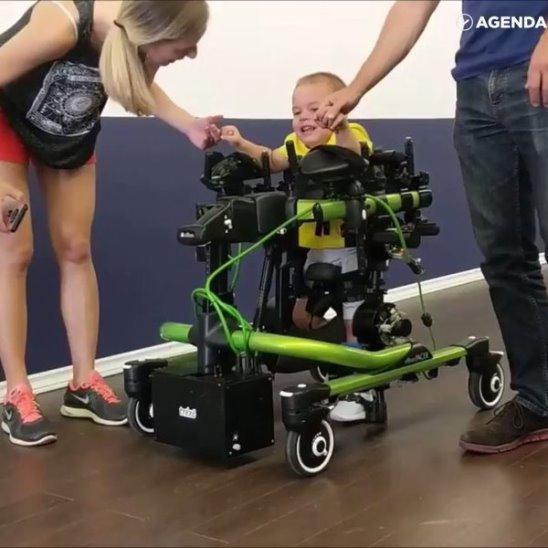 Первый в мире экзоскелет для детей