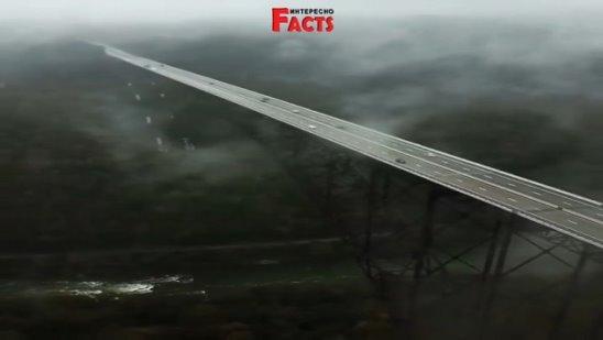 Хоть раз в жизни надо проехаться по этому мосту)