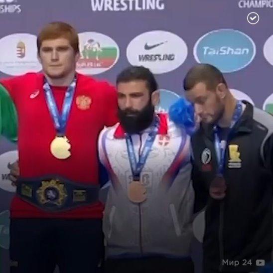 Российские борцы завоевали десять золотых медалей
