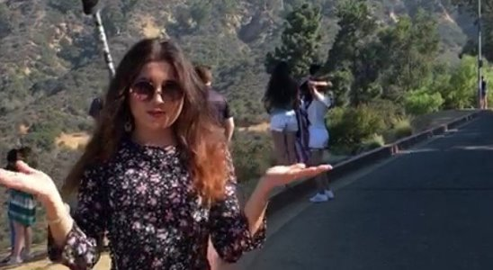 Сауле Альмуханбетова передаёт привет из Голливуда, Лос-Анджелес, штат Калифорния.