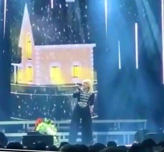 """""""Моя семья"""" (фрагмент фан-видео) - Ирина Аллегрова, """"Песня года"""" в Дюссельдорфе, 10.02.2018 г."""