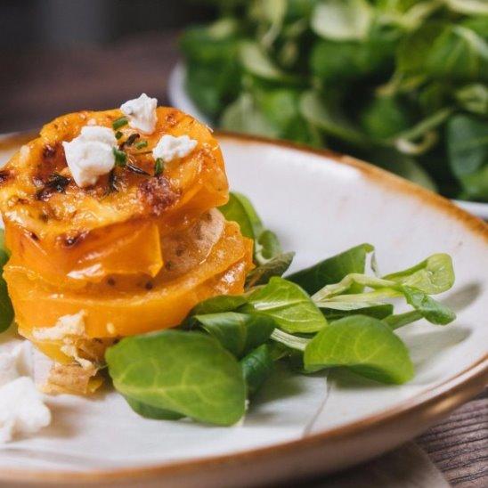 Запеканка с помидорами и картофелем от Woman.ru
