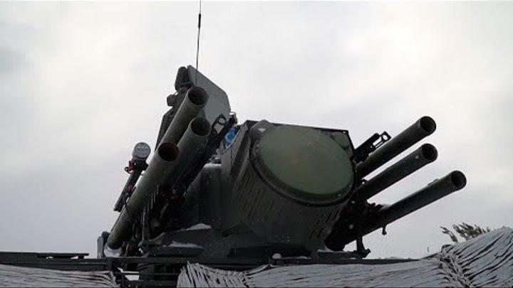 Обложка видеозаписи Лучшие комплексы ПВО отразили атаку беспилотников условного противника