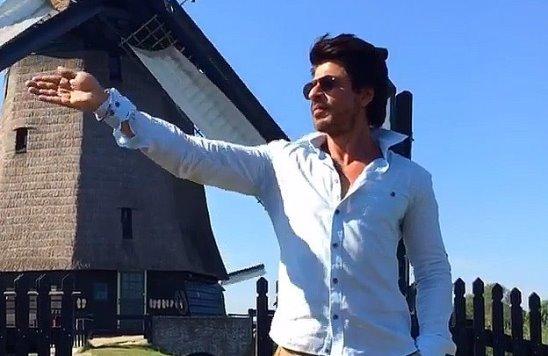 Instagram video by Shah Rukh Khan • Sep 13, 2016