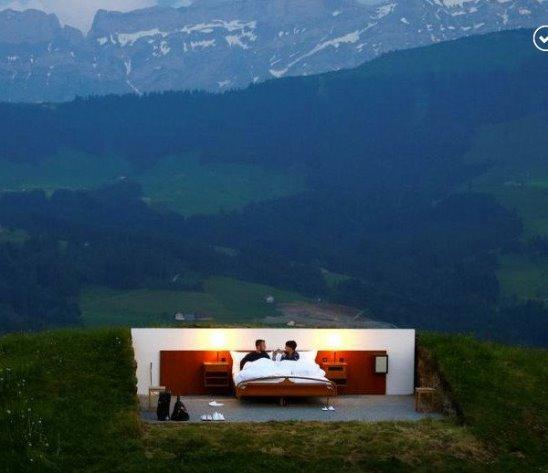 Гостиница без стен и потолка в Швейцарии. Теперь вы видели всё