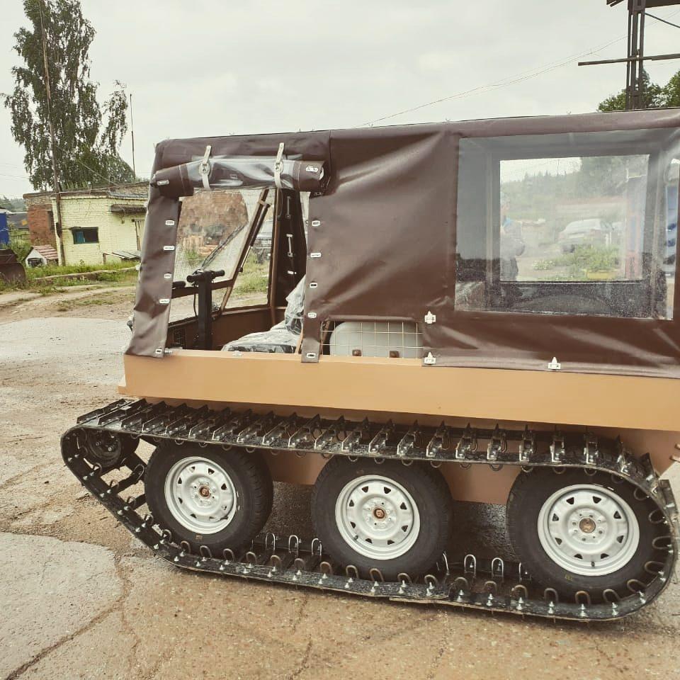 Гусеничный вездеход добрыня транспортер оборудования элеваторов