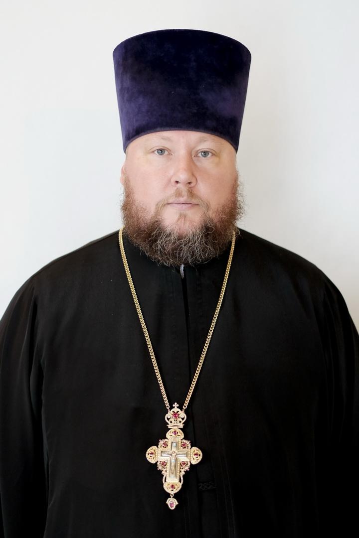 Фото настоятель елоховской церкви