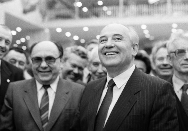 Уроки Истории: Роль мозговых центров в развале СССР