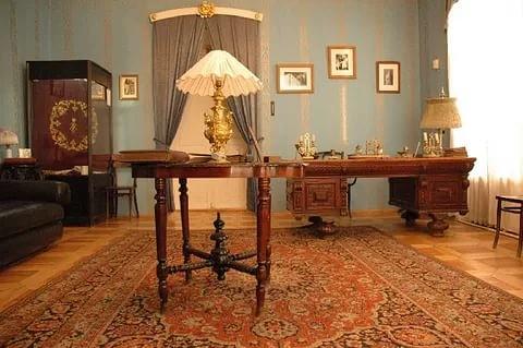 Кабинет Николая II в Тобольском доме губернатора