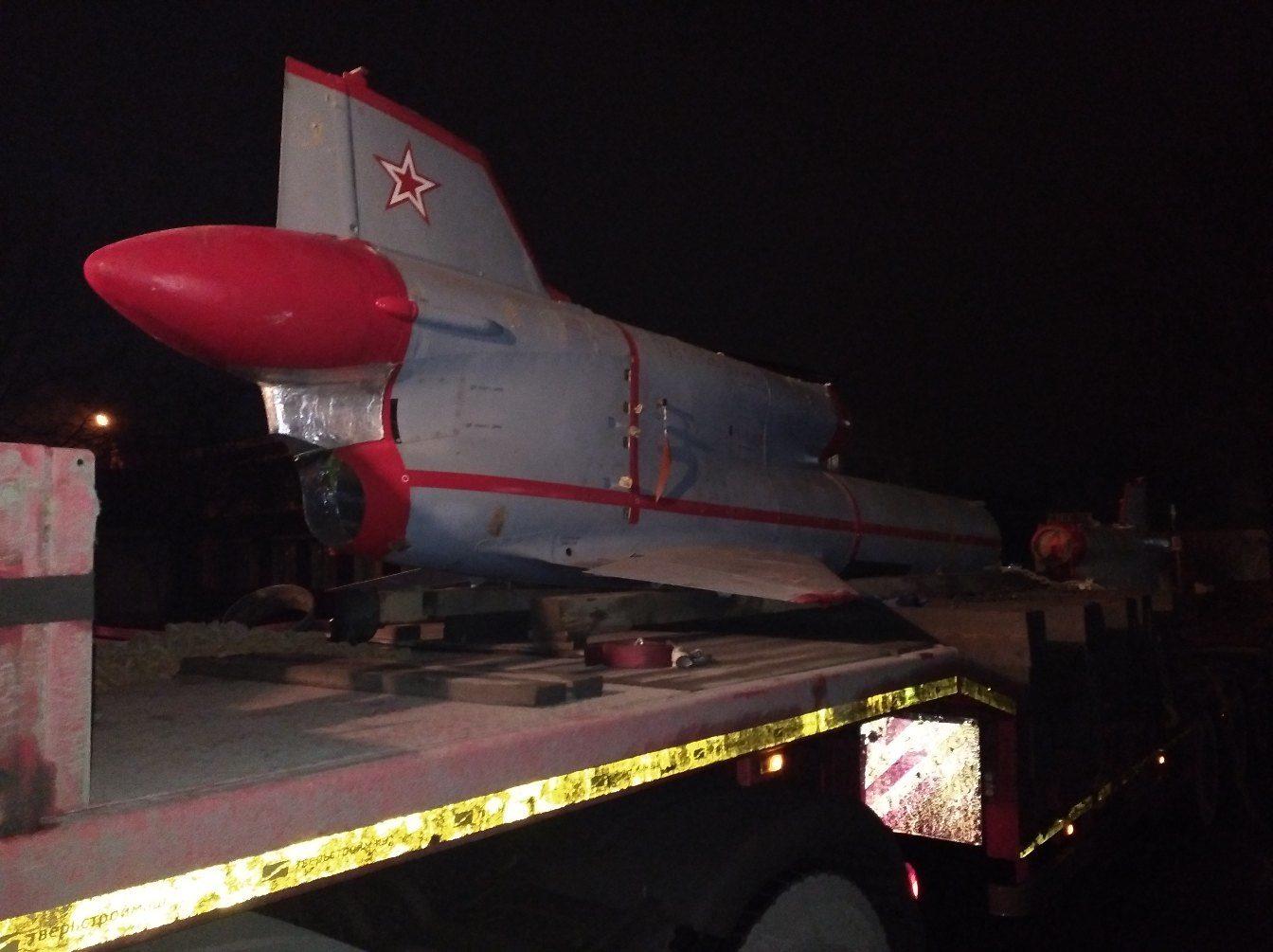 В Кимрах установят еще один военный самолёт - беспилотный самолёт-разведчик