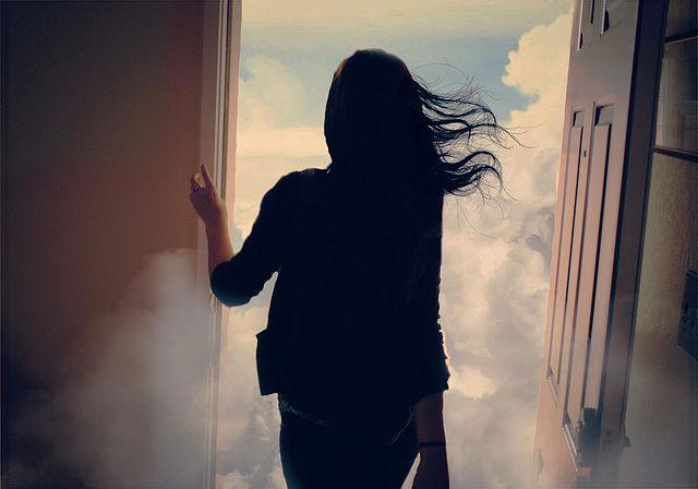 когда бог закрывает одну дверь он открывает другую но мы