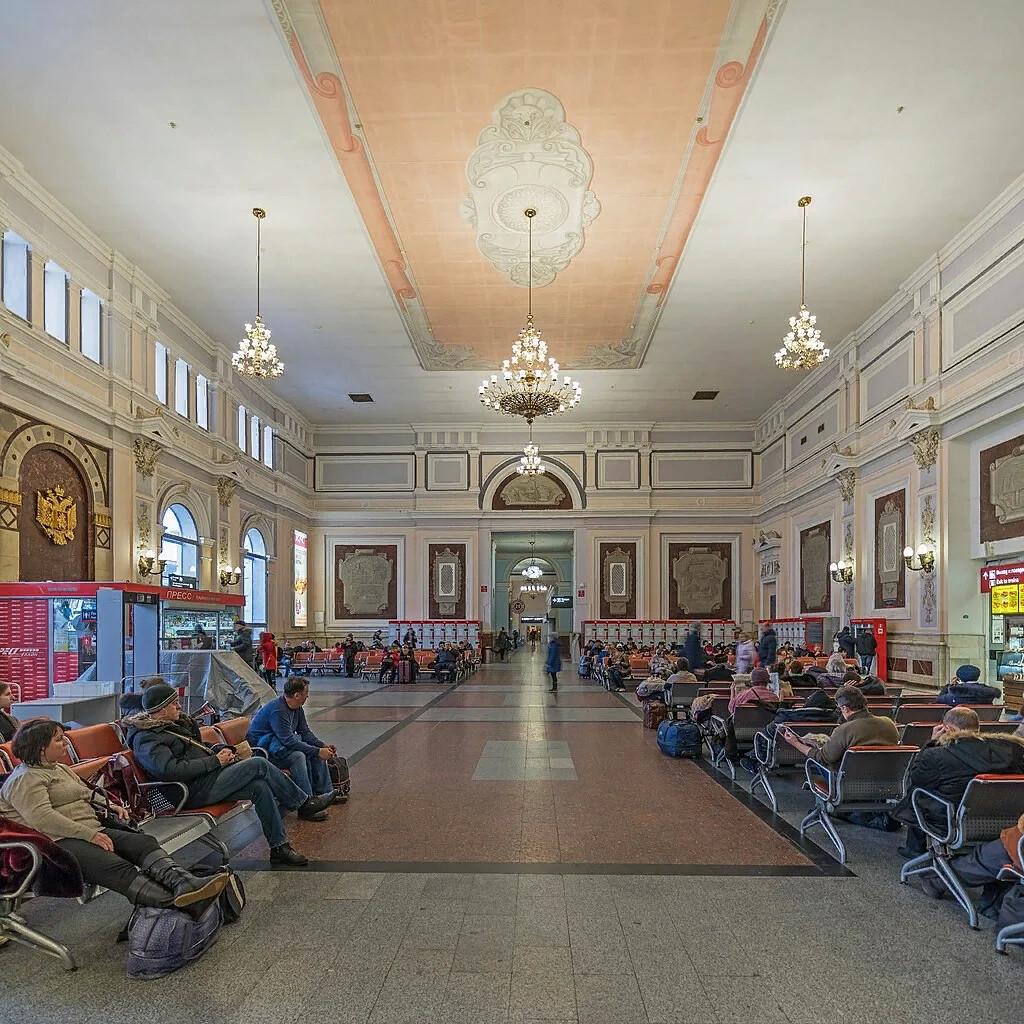 одни панорамное фото курского вокзала способствуют
