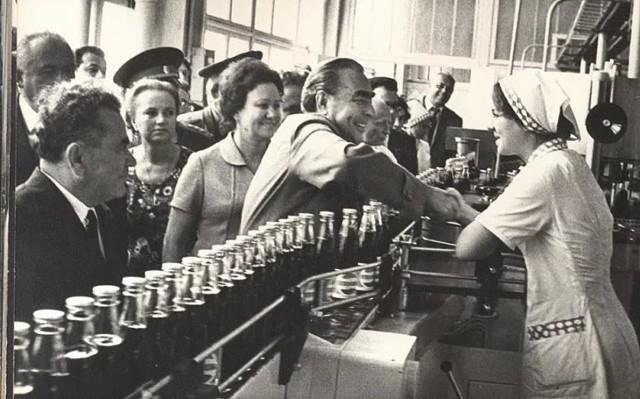 ВИЗИТ БРЕЖНЕВА В НОВОРОССИЙСК. В сентябре 1974 года ...   Интересный  контент в группе История Полуострова Абрау