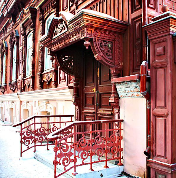 Главный вход дом Буркова