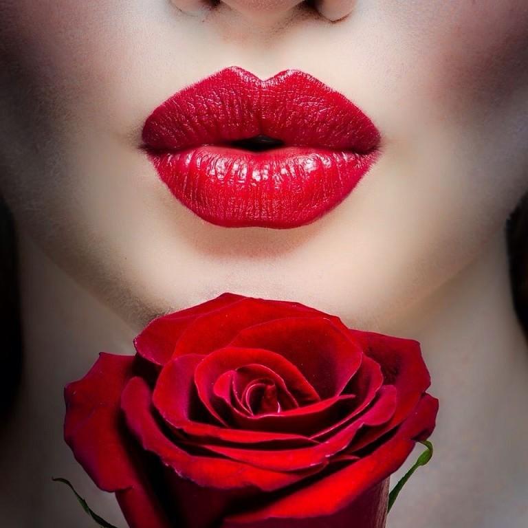 Истории картинках, открытки воздушный поцелуй женщине от мужчины