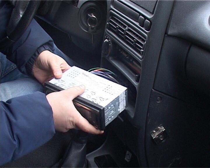 В Коломне задержаны подозреваемые в краже магнитол из автомобилей