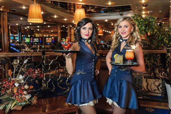 Фото официантов в казино охранник в казино москвы