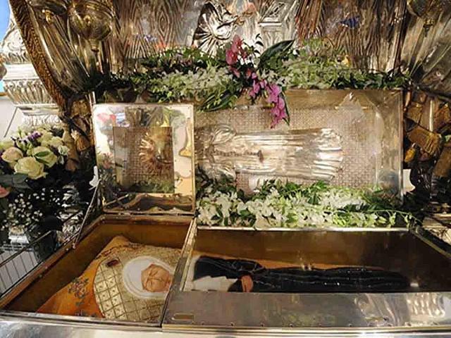 рака святой матроны фото описанные
